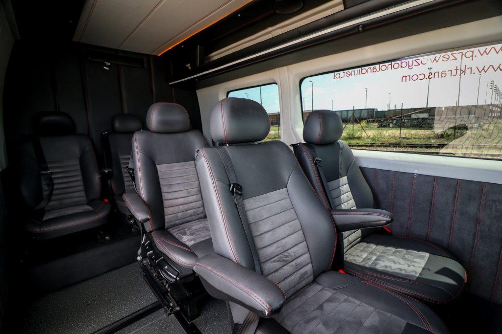 tanie przewozy do Niemiec - Wnętrze busa